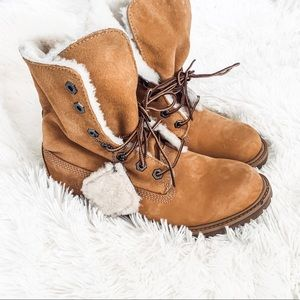 Timberlands fuzzy fleece lined fold over boots